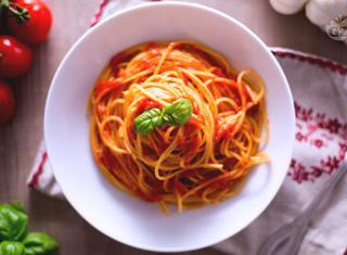 Ricetta: spaghetti al pomodoro