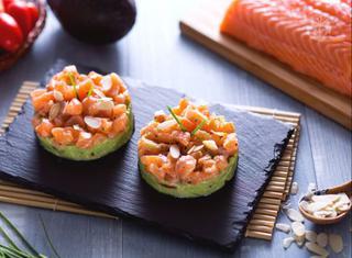 Come preparare una tartare di salmone e avocado