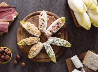 Ricetta: barchette di indivia ai formaggi