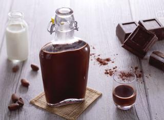 Come fare un liquore al cioccolato