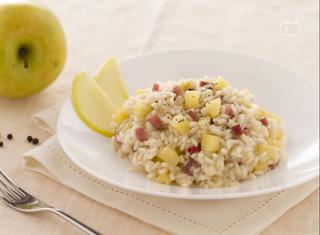 Come preparare il risotto con mele e speck