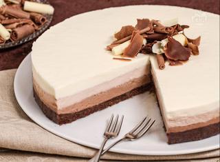 Come fare il cheesecake al triplo cioccolato