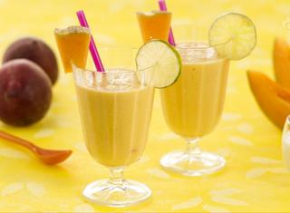 Come preparare uno smoothie allo yogurt