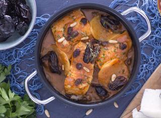 Come preparare il baccalà con prugne, uvetta e pinoli