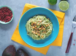 Come preparare gli spaghetti alla crema di avocado