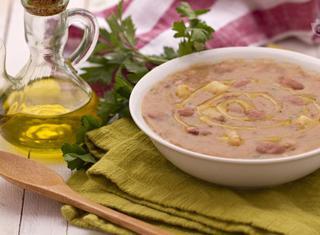 Zuppa di patate e borlotti