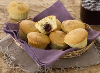 Muffin alla vaniglia con cuore di amarena