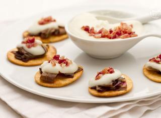 Spianatine con crema di asiago, radicchio e pancetta