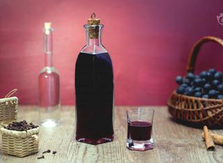 Ricetta: liquore di uva fragola