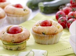 Muffin salati con ricotta e zucchine