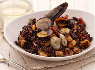 Come preparare il riso venere ai frutti di mare