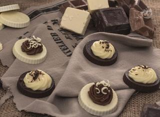 Tortine con crema ai due cioccolati