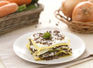 Come preparare le lasagne al ragù bianco e zucchine