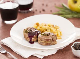 Ricetta: filetto di maiale con salsa al vino