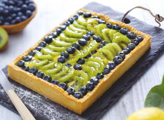 Crostata di kiwi e mirtilli
