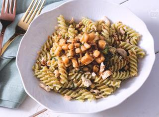 Come fare la pasta pesto e calamari
