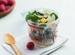 Insalata di riso con frutta secca