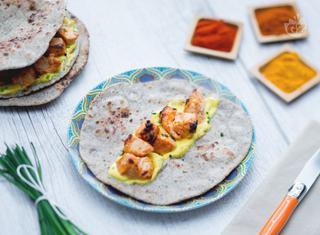 Pollo tandoori con chapati e salsa alla curcuma