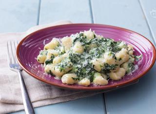 Gnocchi con stracchino e spinaci