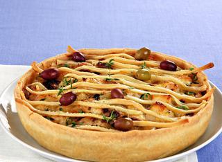 Torta salata con patate e olive