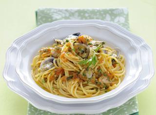 Spaghetti alle vongole con curry