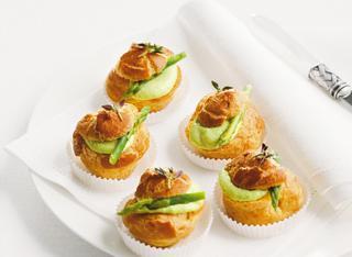 Ricetta: bignè alla crema di asparagi e capperi
