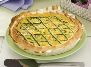 Torta salata alle zucchine e salmone