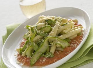 Filei calabresi con asparagi, pomodori e scamorza