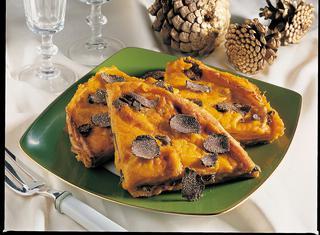 Crepes in giallo con tartufi tartufi