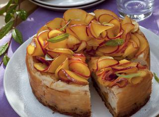 La torta di pesche e crema cotta