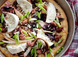 La pizza robusta alla trevisana e pasta di salame