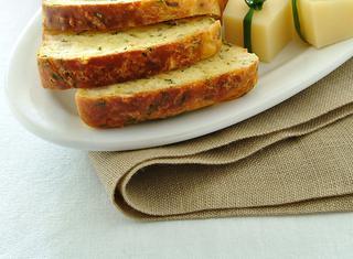 Plum cake salato con le pere