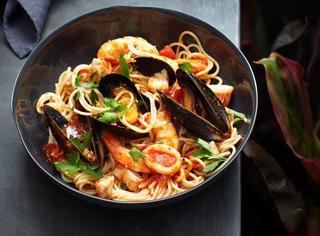 Come cucinare gli spaghetti allo scoglio