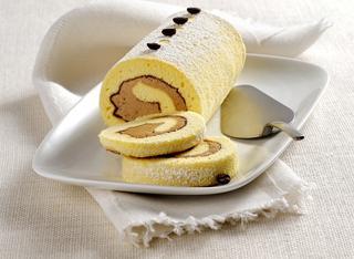 Rotolo di pasta biscotto con crema al caffè