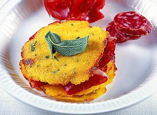 I crostini di polenta con salumi