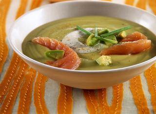 Crema di avocado con salmone affumicato