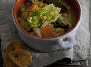 Zuppa di verza e ceci