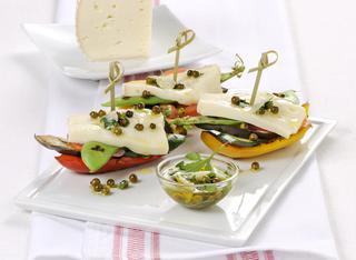 Verdure alla griglia con casatella e pepe verde