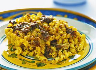 Torchietti con ragù di carne alla siciliana