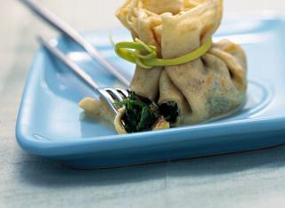 Fagottini con spinaci, gorgonzola e noci