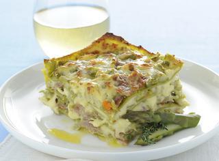 Lasagne con asparagi, culatello e salsa Mornay