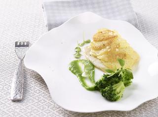 Rombo in crosta di patate con crema di broccoletti