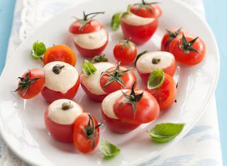 Pomodorini ripieni in salsa tonnata
