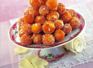 Castagnole con lo zucchero