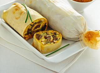 Strudel con verdure, robiola e pollo al curry
