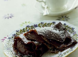 Crepes al cacao con crema di cioccolato e cocco