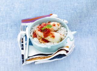 Calamari ripieni agli aromi con riso bianco