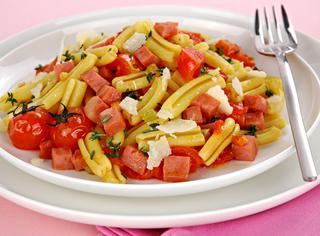 Pasta con ragù di pomodorini