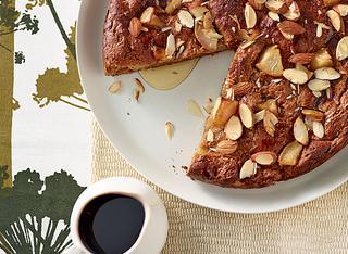 Ricetta: torta vegana di mandorle e pere