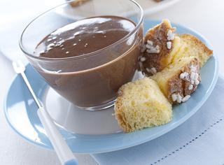 Come preparare la crema pasticcera al cioccolato